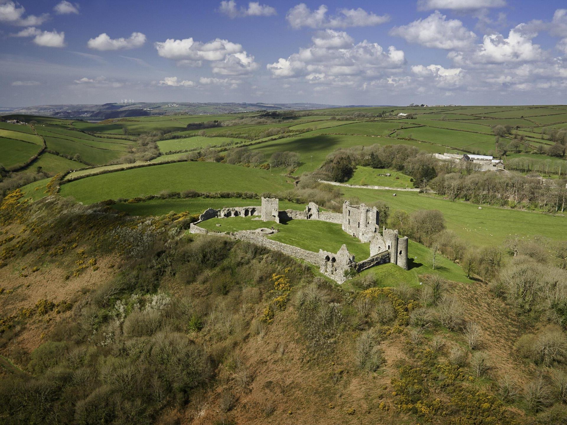 Llansteffan Castle (Cadw)