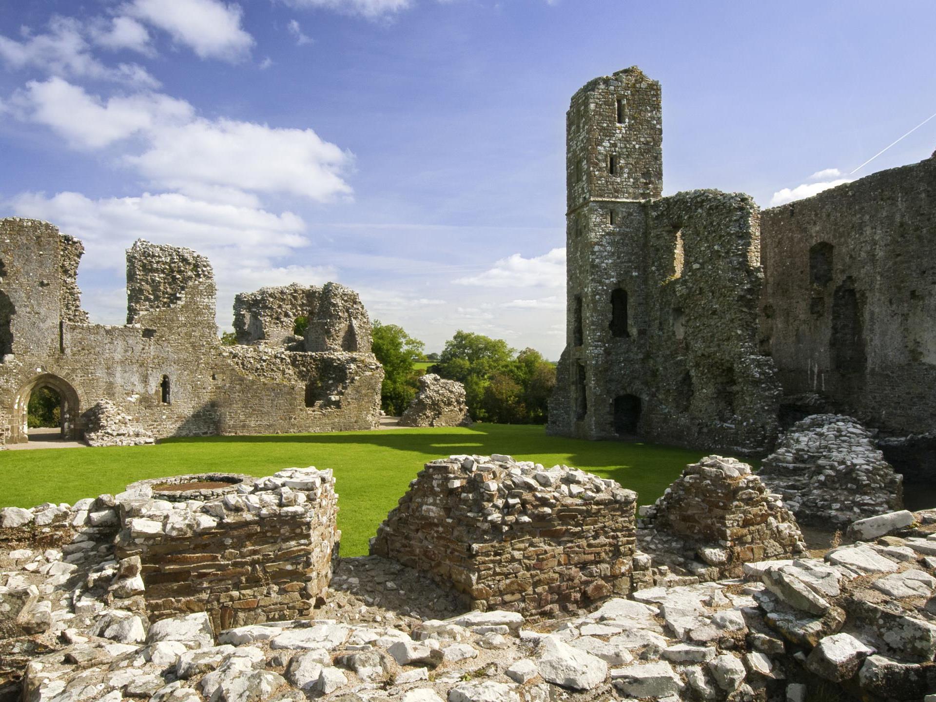 Llawhaden Castle (Cadw)
